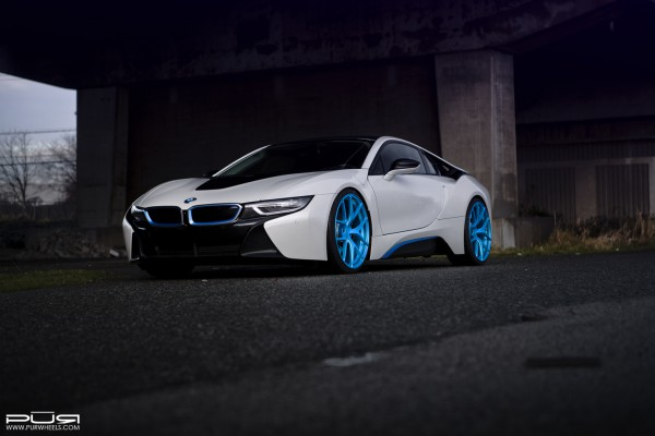 bmwi8pur4ourelectricblue01