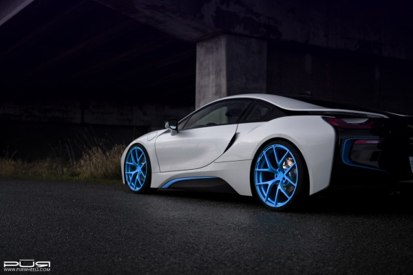 bmwi8pur4ourelectricblue02